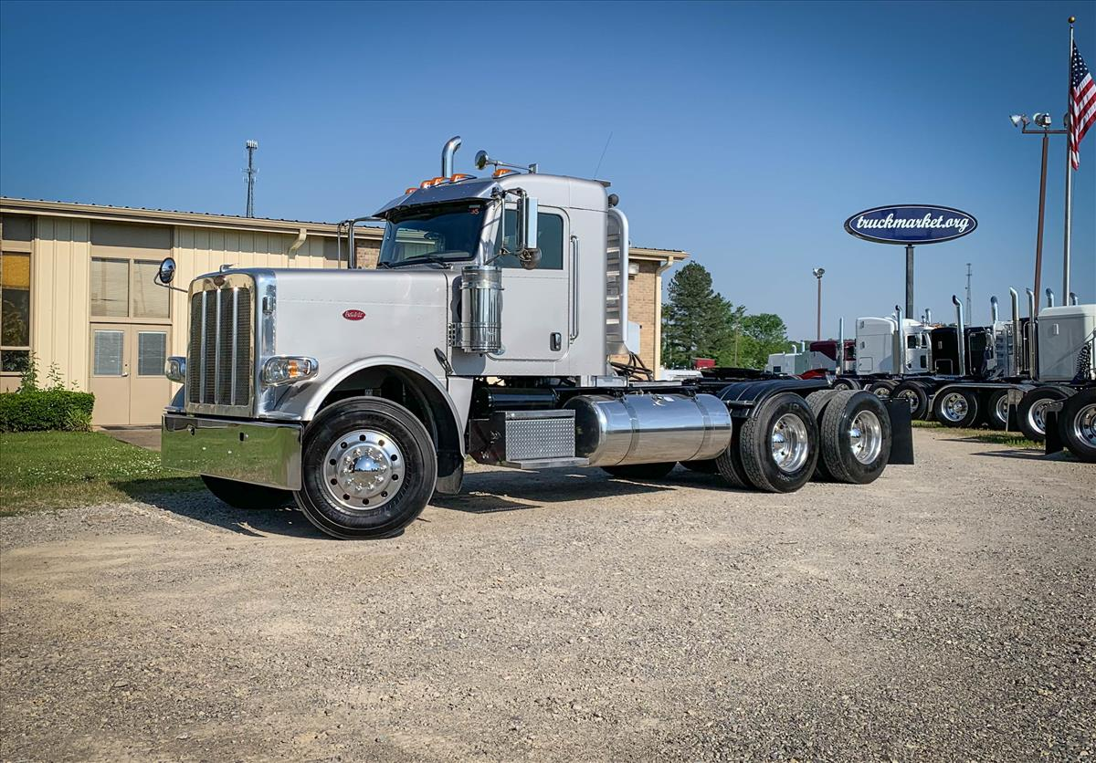 2014-PETERBILT-388-DAYCAB-FOR-SALE-TRUCKMARKET-LLC