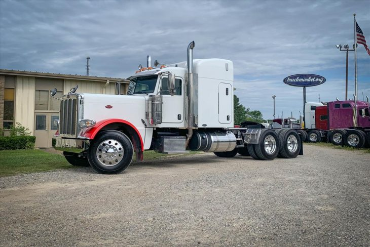 2015-PETERBILT-389-SLEEPER-Truck-For-Sale-TruckMarket-LLC