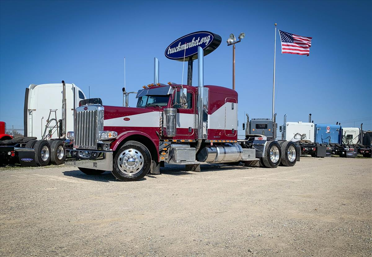 2018-Peterbilt-389-Sleeper-Truck-For-Sale